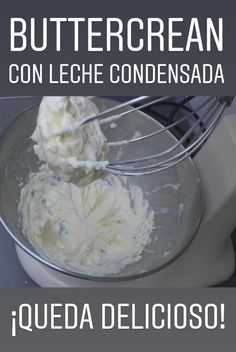 The pastry chef will show you how to make buttercream with condensed milk 🙂 Sweet Empanadas Recipe, Frosting Recipes, Cake Recipes, Kitchen Recipes, Cooking Recipes, Easy Chocolate Chip Cookies, Bakery Cakes, Drip Cakes, Dessert Drinks