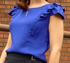 Patroon voor een bloesje in 3 varianten.  Dit bloesje kan zowel gemaakt worden in tricot als in een soepel katoen, zoals een katoen voile.