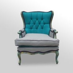 I LOVE this chair! So need to learn how to do upholstery.