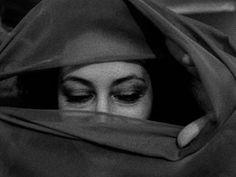 Photojournalism Curriculum - Berkeley Graduate School of Journalism People Around The World, Around The Worlds, Arabian Princess, Graduate School, Photojournalism, Inspire Me, Painted Faces, Veils, Curriculum