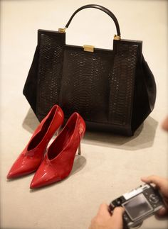 #Vionnet bag and #Gianvito Rossi red pumps, from autumn winter 2013 collection. www.wunderl.com Fall Winter, Autumn, Red Pumps, Madewell, Tote Bag, Bags, Collection, Shoes, Fashion