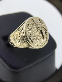 Mens Signet Ring, Off Signet Ring, Custom Gold Signet Ring, Coat Of Arms Signet Ring, Family Cre Unique Mens Rings, Rings For Men, Family Crest Rings, Family Ring, Gold Chains For Men, Coin Ring, Signet Ring, Wedding Ring Bands, Ring Designs