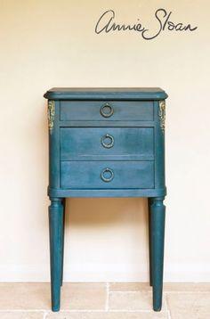 Inspiration Galleries | Annie Sloan Unfolded - color for server??