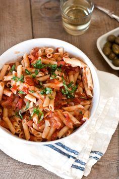 Pasta w/ roasted garlic, tomato basil sauce