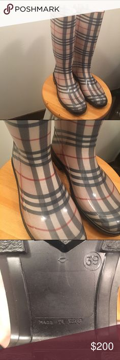 Burberry NovaCheck Plaid Rain Boots(Made In Italy) These are in perfect condition. I can't see any marks or scuffs, the bottoms are a little dusty but I will clean them before shipment! Message me with any questions 😌 Size 39 (Women's 8 1/2) Burberry Shoes Winter & Rain Boots