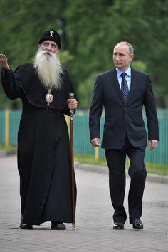 Putin & not Rasputin. Visit to the Rogozhskaya Zastava Spiritual Centre of the Russian Orthodox Old-Rite Church Vladimir Putin, President Of Russia, Rasputin, Men Photoshoot, Kevin Spacey, Russian Orthodox, Great Leaders, Kirchen, Celebrities
