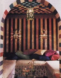 Moroccan...Lounge... This is ever so dreamy! Makes me want to do a smaller version in my soon to be redecorated spare bedroom. Hmm. Talked myself into it!