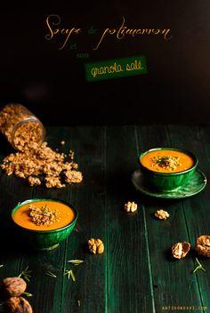 Soupe de potimarron & granola salé au fromage - Cette soupe est un délice ! Vraiment. Promis.