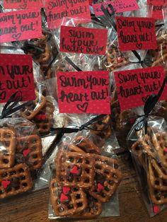 Swim treats - Swim your heart out! Swim Team Party, Swim Team Mom, Swim Mom, Swim Coach Gifts, Swim Team Gifts, Cheer Team Gifts, Volleyball, Soccer, Team Dinner