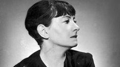 Le 8 mars est unjour dédié à la lutte pour les droits des femmes. De Jane AUSTEN à Eve ENSLER, c'est l'occasion de (re)découvrirl'oeuvre d'auteures engagéesdont l'écriture se joue des clichés et des carcans de la condition féminine pour mieux les dénoncer, les combattre, voire en rire ! Virginia WOOLF L'auteure anglaise (1882-1941), membre du…