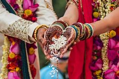 #OnlineMatrimonialSites vs. Traditional Matrimonial Methods #WMmatrimonial