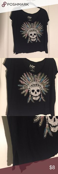 Black Skull V-Neck T-Shirt Loose-fitting black v-neck with a colorful skull design on the front - the design came semi-faded; small slits on the side of the t-shirt - also bought that way. Easy t-shirt to throw on to make an outfit, or you can add more to it for a grungy look! Aeropostale Tops Tees - Short Sleeve