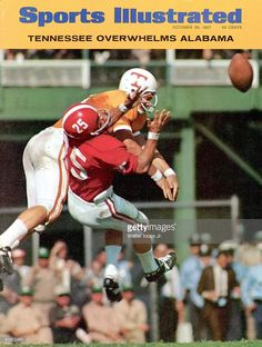 October 1967 Sports Illustrated Cover, College Football: Tennessee Jim Weatherford in action, playing defense vs Alabama Dennis Homan Birmingham, AL Tennessee Volunteers Football, College Football Players, Tennessee Football, Notre Dame Football, Football Pictures, School Football, Alabama Football, Sports Photos, American Football