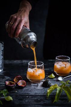 Maracuja Margarita - BlubBlub - Drink Up - food summer Cocktail Photography, Food Photography, Digital Photography, Landscape Photography, Cocktail Drinks, Cocktail Recipes, Vodka Drinks, Beverages, Sweet Cocktails