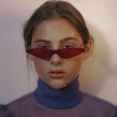 5ad302f4884 Unisex Flat Top Eyeglasses Small Triangle Frame Cat Eye Sunglasses Women  UV400 2018 Fashion Color Ocean Film Sun Glasses Cool
