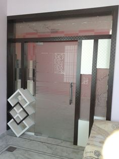 partition design Room Partition Wall, Glass Partition Designs, Living Room Partition Design, Pooja Room Door Design, Glass Design, Room Partitions, Modern Tv Wall Units, Pooja Rooms, Entrance Design
