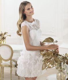 Pronovias presents the Lagatte wedding dress. Fashion 2014. | Pronovias