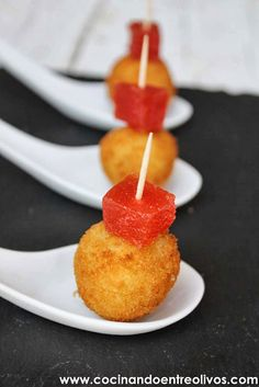 Cocinando entre Olivos: Croquetas de queso Cabrales. Receta paso a paso.