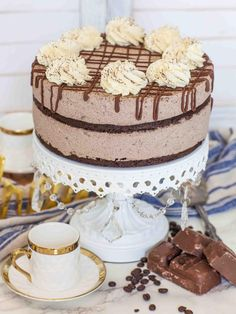 Amazing KETO chocolate mousse cake recipe, perfect for keto diet and low-carb diet! Rich chocolate mousse with keto chocolate cake layers! Sour Cream, Keto Whipped Cream, Ice Cream, Cheesecake Brownies, Cream Cheeses, Food Trucks, Key Lime, Fudge, Ketogenic Diet