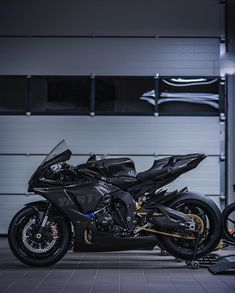 Stunt Bike, Triumph Motorcycles, Kawasaki Motorcycles, Cars And Motorcycles, Custom Motorcycles, Motocross, Bike Photoshoot, Ducati Diavel, Lamborghini