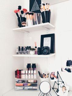 64 Ideas For Makeup Room Decoration Make Up Storage, Diy Storage, Storage Ideas, Bathroom Storage, Make Up Desk Vanity, Vanity Desk, Ikea Vanity, Diy Vanity, Makeup Rooms