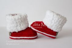 Sale. Crochet baby booties, unisex baby shoes, unisex baby booties, red booties, boots, gift for baby, baby shower, fur shoes, announcement by EditaMHANDMADE on Etsy https://www.etsy.com/uk/listing/467270218/sale-crochet-baby-booties-unisex-baby