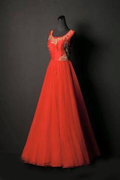 Red Bridal Gown Shyamal and Bhumika Replica 2015 - Gujarati Dresses Indian Wedding Gowns, Indian Gowns, Bridal Gowns, Indian Weddings, Indowestern Gowns, Anarkali Gown, Lehenga Choli, Saree, Shyamal And Bhumika