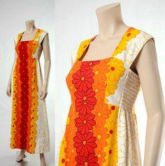 Vintage 60s Mod Daisy Hawaiian Maxi Dress [Ready for my summer entertaining!!!]