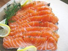 Красная рыба вкусна и в копченом, и в соленом виде. Но это блюдо, автором которого является норвежский шеф-повар Свен Эрик Ренаа, все равно самое вкусное.