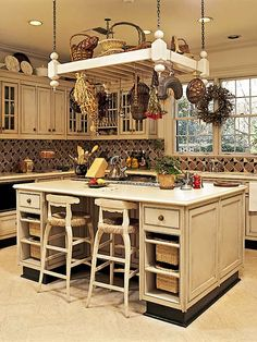 Ideas kitchen island with seating rustic pot racks Kitchen Island Pot Rack, Rustic Kitchen Island, Kitchen Island With Seating, Kitchen Redo, Country Kitchen, New Kitchen, Kitchen Storage, Kitchen Remodel, Pot Hanger Kitchen