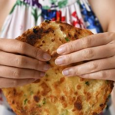 Chinese scallion pancakes are always a crowd pleaser. This vegan recipe includes step-by-step photos and detailed notes on how to make the flakiest scallion pancakes. Indian Food Recipes, Asian Recipes, Vegetarian Recipes, Cooking Recipes, Easy Recipes, Ethnic Recipes, Good Food, Yummy Food, Salmon Recipes