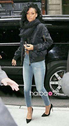 Rihanna wearing Manolo Blahnik BB Suede Leather Pump 2429cae38