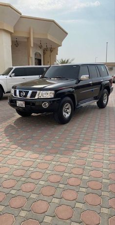 Cool Girl Pictures, Girl Photos, Photography Editing Apps, Handsome Arab Men, Desi Wedding Dresses, Iphone Wallpaper Quotes Love, Cute Love Images, Nissan Patrol, Goth Beauty