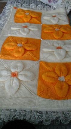 This Pin was discovered by Nur Crochet Motifs, Afghan Crochet Patterns, Baby Knitting Patterns, Baby Patterns, Crochet Square Blanket, Square Quilt, Knitted Afghans, Knitted Baby Blankets, Arm Knitting