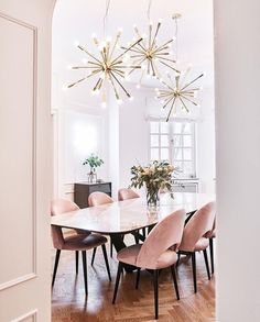 Gorgeous 30 Modern Minimalist Dining Room Design Ideas for Comfortable Dinner With Your Family Esstisch Dining Room Lamps, Dining Room Design, Wall Lamps, Dining Furniture, Dinning Room Lights, Dining Table Chandelier, Ikea Dining, Furniture Cleaning, Space Furniture