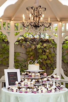 Caterer:Divine Decadence Catering