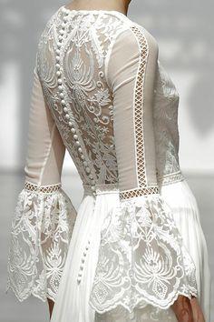Maravilla de vestido de novia de Pol Nuñez (Colección 2018) #vestidodenovia #weddingdress #tendenciasdebodas