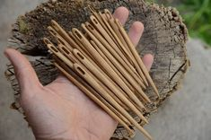 Medieval Embroidery, Whittling Projects, Medieval Crafts, Green Woodworking, Hobbies To Try, Tablet Weaving, Rustic Crafts, Craft Show Ideas, Wood Tools