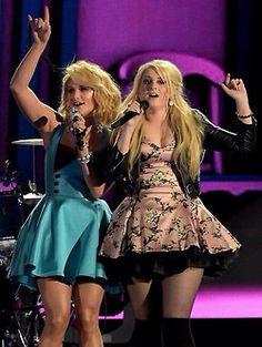 Miranda Lambert & Meghan Trainor at CMA's 2014