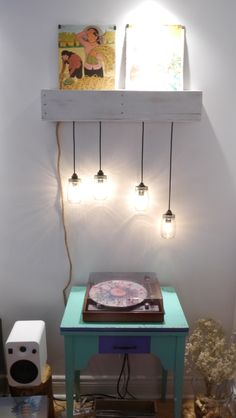 Wall lamp / Lampe murale Wood pallet lamp with masson jar