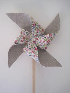 ❤   grey linen/liberty fabric windmill