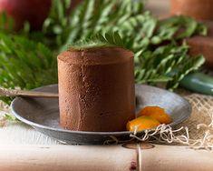 5 recetas de postres con chocolate que se hacen en menos de 10 minutos. Ideas de recetas rápidas y sencillas.