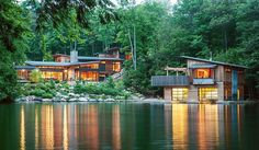 Muskoka Cottage by Christopher Simmonds - http://www.homeadore.com/2013/10/14/muskoka-cottage-christopher-simmonds/…