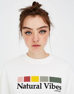 The most alternative women's sweatshirts can only be found at PULL&BEAR. Shirt Print Design, Tee Shirt Designs, Tee Design, Cute Tshirts, Cool T Shirts, Tee Shirts, Pull & Bear, Aesthetic Shirts, Apparel Design