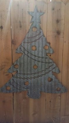 FREE-SHIPPING-Rusted-Metal-Corrugated-Christmas-Tree-2-Sign-Wall-Hanging