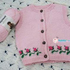 Hướng dẫn đan áo khoác bé Sam | HAME - Đan móc từ trái tim Sweaters, Fashion, Long Scarf, Tejidos, Moda, Fashion Styles, Sweater, Fashion Illustrations, Sweatshirts