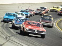 1970 was a beautiful year to be a stock car. Look at that field — every car is a work of art.