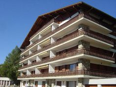 """Mesnil - Apartment - CRANS-MONTANA - Switzerland - 861 CHF 2-room apartment """"Mesnil 6"""", for 4 people, 47 m2 on 2nd floor, comfortable and cosy furnishings.  Living/dining room with cable TV, open fireplace and dining-table. Smoking not allowed. Internet (Wire"""