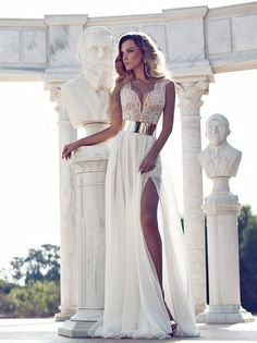 ...von Julia Vino Bridal & Evening Wear