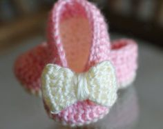 Crochet Baby Booties - Baby Girl Booties -  Ballet Slippers - Bow Shoes